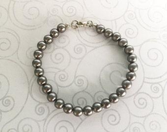 Silver gray beaded bracelet