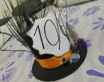 Alice in Wonderland, the Mad Hatter inspired hat and brooch