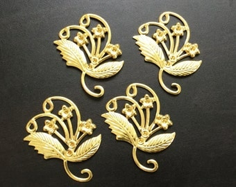 Flower Charms | Gold Plated Brass Charm | Jewelry Making Supplies | Pendant Bracelet | Earrings | Gold finding Keychain (30x35mm) 4pcs CH04