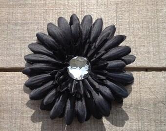 Clearance sale, black daisy flower hair clip, flower clip, black flower, hair clip, gorls hair accessories, sale hair bow