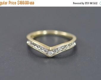ON SALE 10K 0.25 Ctw Chevron Diamond Ring Size 6.75 Yellow Gold