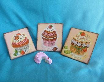 Cupcake fridge magnet, set of 3 patisserie magnet, kitchen decor, shabby chic food magnet, gift for cake lovers, chefs gift, to do magnet