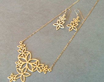 Gold Flower Necklace, Set of Flower Necklace And Flower Earrings, Flower Jewellery, Flower Earrings, Wedding Jewelry, Gold Earrings, By Hila