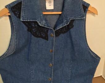 Vintage blue jean with lace vest