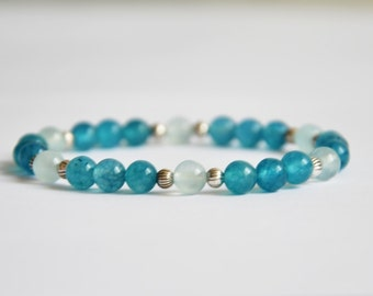 Bracelet aquamarine, light blue jade and tibetan silver. 6mm beads.