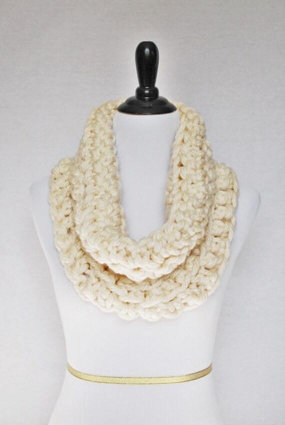 Cream Crochet Scarf, Winter White Crochet Cowl, Chunky Shoulder Wrap, Off White Neck Warmer, Beige Infinity Scarf, Wrap Scarf