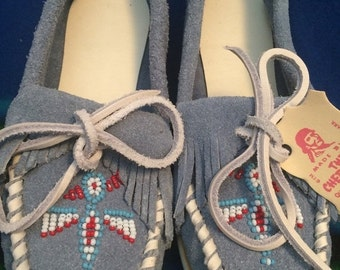 Sale Genuine Deadstock  Indian Qualla Reservation Cherekee made beaded moccasins sz 4