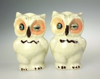 Shawnee Pottery Winking Owl Hand Painted Ceramic Salt Pepper Shaker Vintage