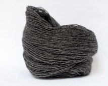 Wool yarn - Schafwolle #02 - natural dark grey - single farm yarn - knitting yarn