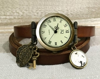 Brown leather watch with engraved initials to personalize, bronze dial, buckle clasp, elves