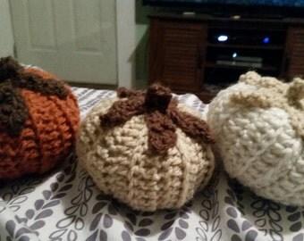 Set of 3 crochet autumn pumpkins