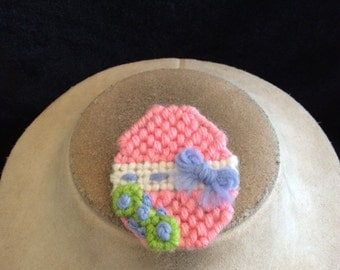Vintage Hand Made Hand Knitted Easter Egg Pin