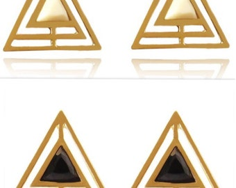 Triangle pyramid geomatrical golden earrings with a resin cut piece in the middle