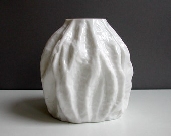 White vase, glass vase, relief, bark, bark, ice, 70s, vintage