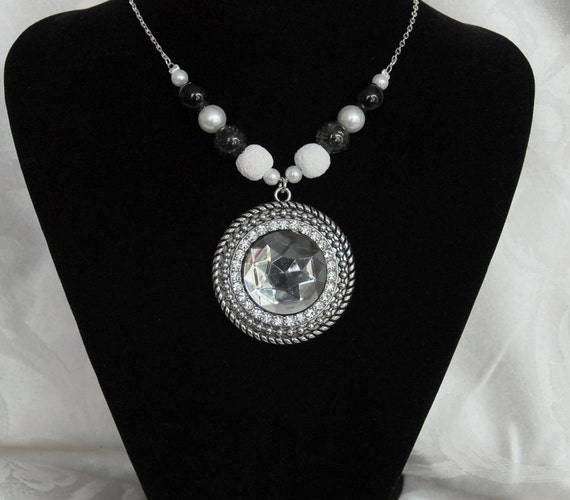 ON SALE: Diffuser Crystal Statement Pendant Necklace for Aromatherapy with Lava Stones for Essential Oils. Embellished Chain Included. AN043