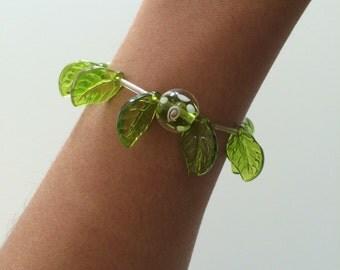 Leaf inspired bracelet