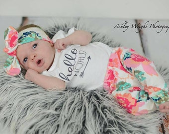 Hello world outfit / floral outfit / baby girl outfit / coming home outfit / newborn outfit / hospital outfit / floral leggings /digi print