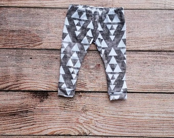 Baby/Toddler/Boys Leggings. Made from soft, stretchy, knit. Charcoal/Triangle print