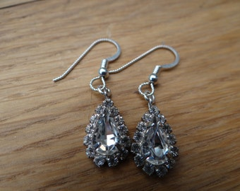 Vintage Rhinestone Earrings - ERU049