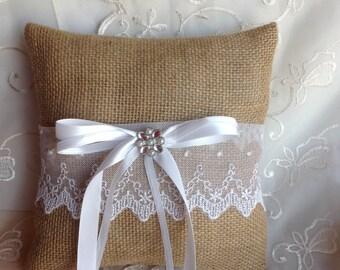 Burlap Ring Bearer pillow, Burlap and Lace pillow, Wedding Ring Pillow