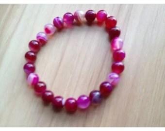 Pink jade beaded bracelet