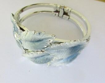 Blue Leaf Bracelet Vintage Frosty Blue and White Bangle    L5