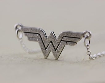 DC Wonder Woman jewelry - Comic Geek necklace Halloween gift Christmas gifts C86N_S