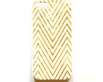 Chevron iPhone case, Gold and White wrap around design, for iPhone 5/5S case