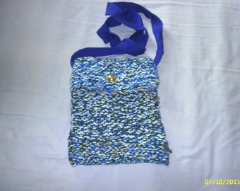 Blue shoulder bag made from recycled wool