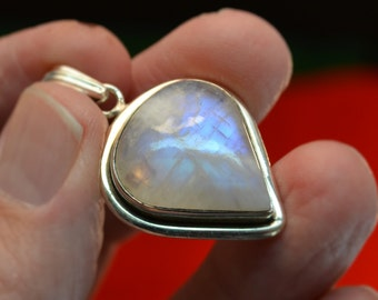 925 Silver and White Moonstone pendant