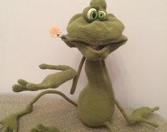 Amigurumi crohet frog