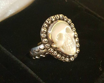 Vintage Sterling Silver mother of pearl shell Carved Skull Ring. Size 9.5