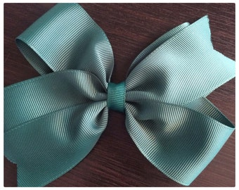 Hunter Green Boutique Bow
