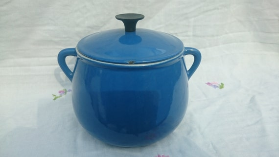 vintage cousances le creuset cast iron blue enamel bean pot. Black Bedroom Furniture Sets. Home Design Ideas