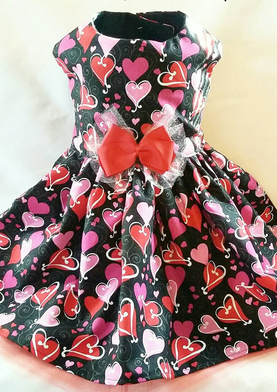 Beautiful custom made dog cat pet valentines day heart dress