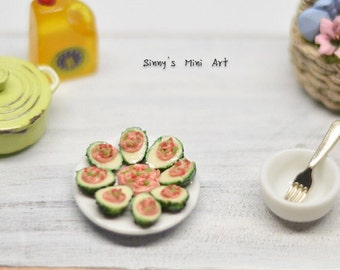 1:12 Dollhouse Miniature Avocado Tapas in Plate/ Dollhouse Miniature food/ Miniature avocado F 073