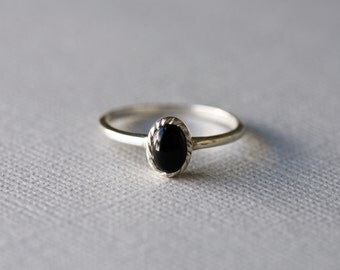 Black Onyx Ring, Oval Ring, Vintage Style Jewelry in 925 Sterling Silver, Antique Look Ring, Simple Ring, Everyday Ring, Gift For Her