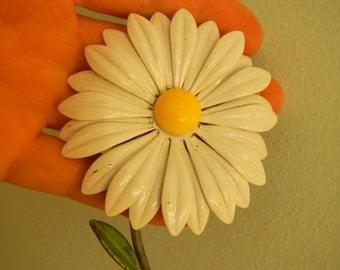 Big Daisy Flower Vintage Brooch