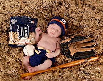Detroit Tigers newborn sports set, photo prop outfit,  baseball, newsboy hat, baby boy outfit