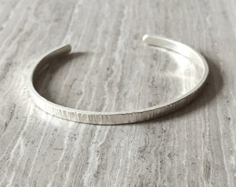 Verticle lines Cuff Bracelet