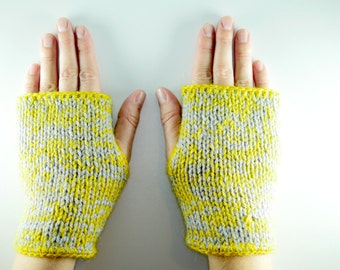 Mitts in wool.
