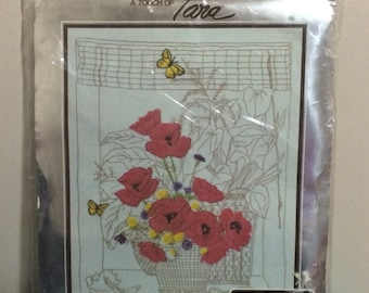 1977 Crewel Embroidery Kit ~ Poppies
