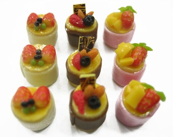 Dollhouse Miniatures Food 9 Mini Fruit Cake Mixed Assorted Fruit Supply Deco Charms - 12145