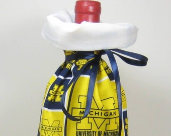University of Michigan Class Wrap Wine Gift Bag