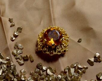 citrine stone brooch