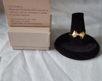 Delicate Bow Pinky Ring Sz 8
