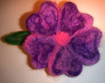 Woolen flower brooch