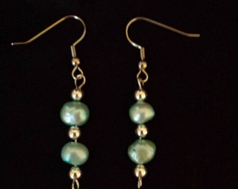 Blue dyed pearl earrings