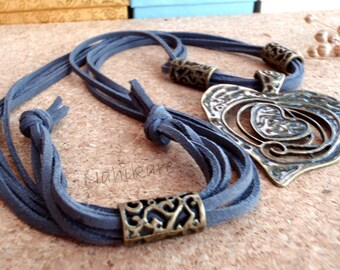 Necklace Boho Big Heart antique Bronze, 4 laces suede grey or black