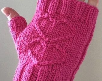 Fingerless Gloves: Bubblegum Sweetheart